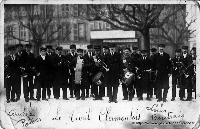 Photo noir et blanc : le Réveil Clermontois.