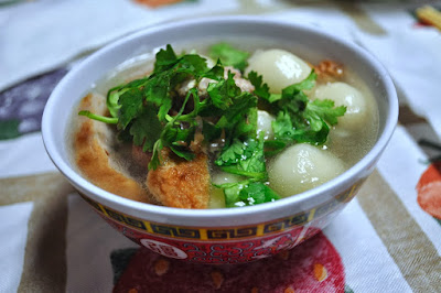 http://princesspotatopudding.blogspot.com/2013/12/winter-solstice-special-tang-yuan.html