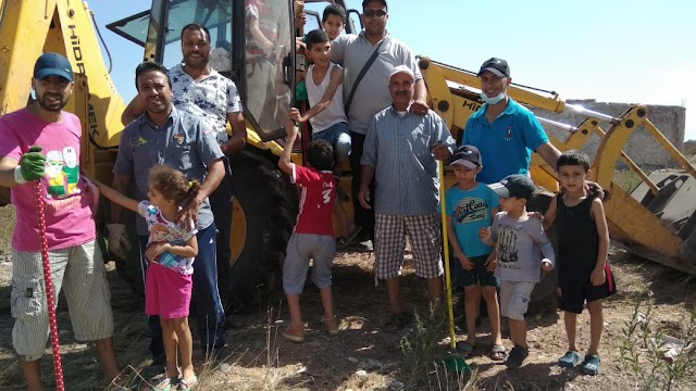 جمعية أمل السعادة تنظم حملة النظافة بالدروة