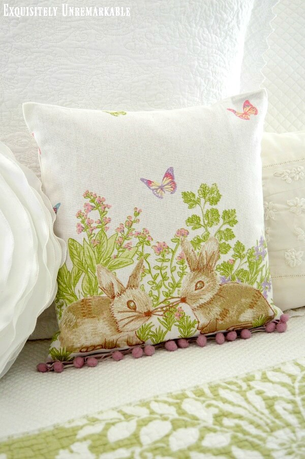 Easy Easter Pillow Cover DIY