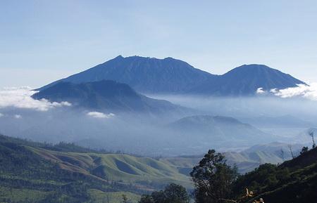 7 Gunung Tertinggi di Provinsi Jawa Timur Review dan Letak