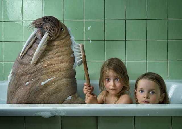 сын подсматривает когда она купается в ванной фото