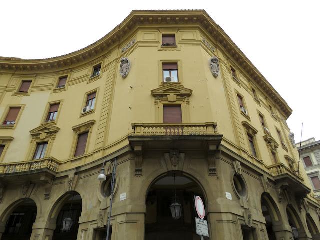 Palazzo Santa Giulia, Via Cairoli, Livorno