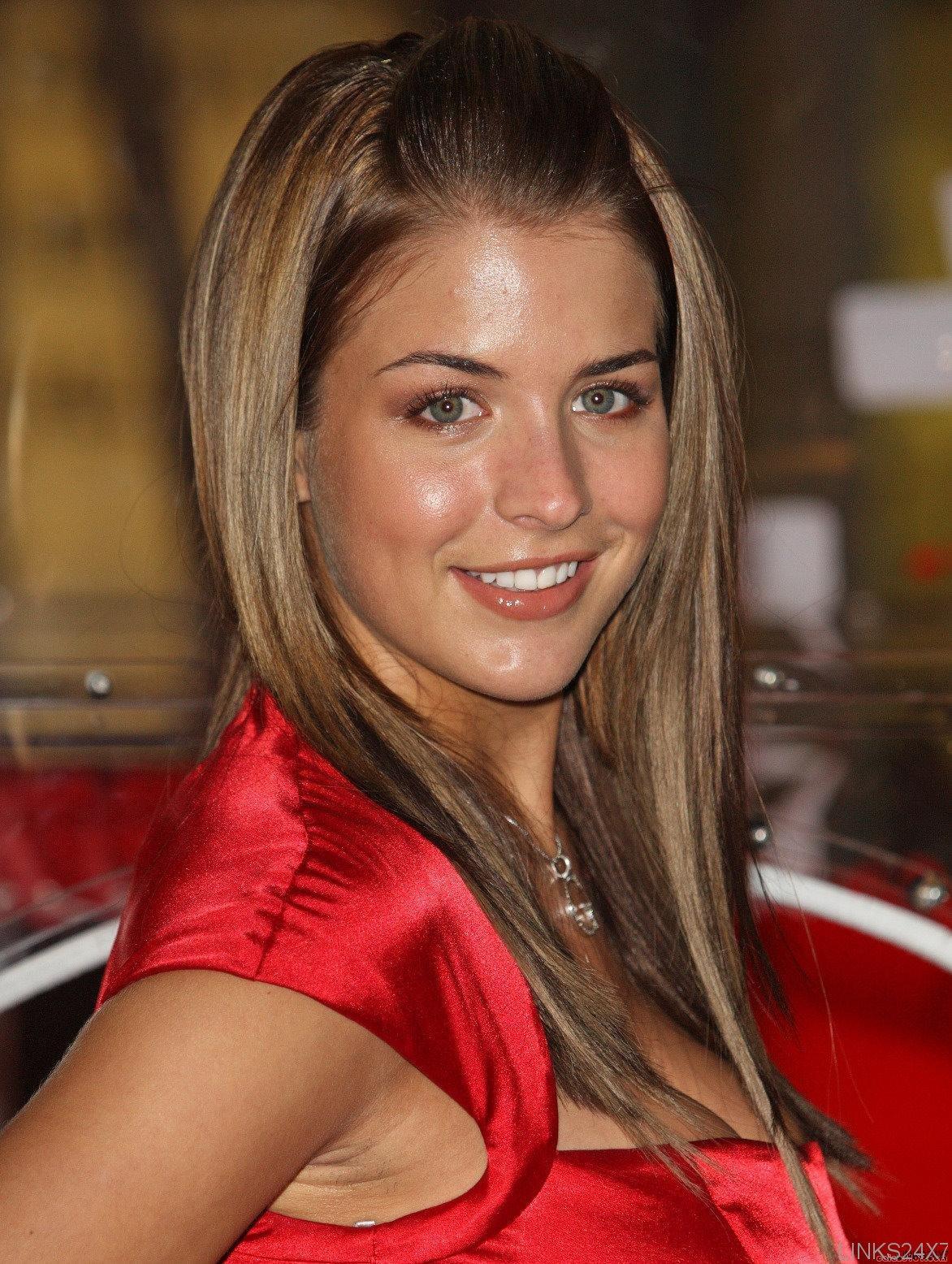 Abbie Cornish Hot Pics Gallery - Celebrity Picture