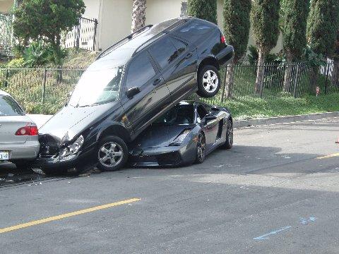 Kemalangan Jalan Raya Sports Cars Apabila Kemalangan