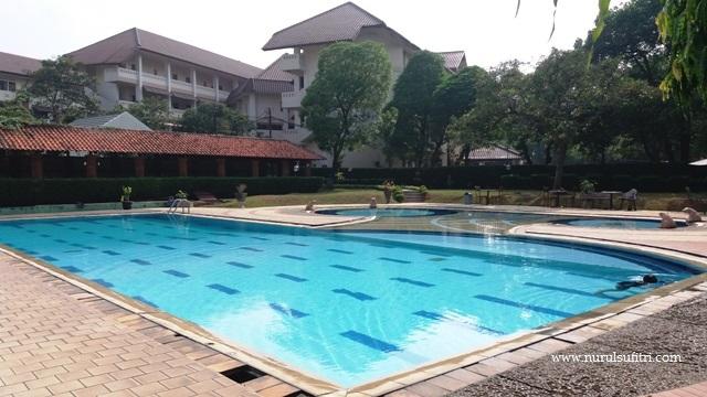kolam reannag dewasa ukuran besar wisma makara ui universitas indonesia nurul sufitri mom lifestyle blogger depok