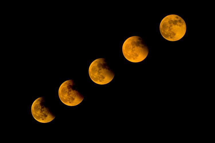 blood moon eclipse how does it happen - photo #22