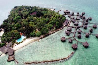 pulau pramuka, keindahan pulau pramuka, foto pulau pramuka drone, foto pulau pramuka dari atas