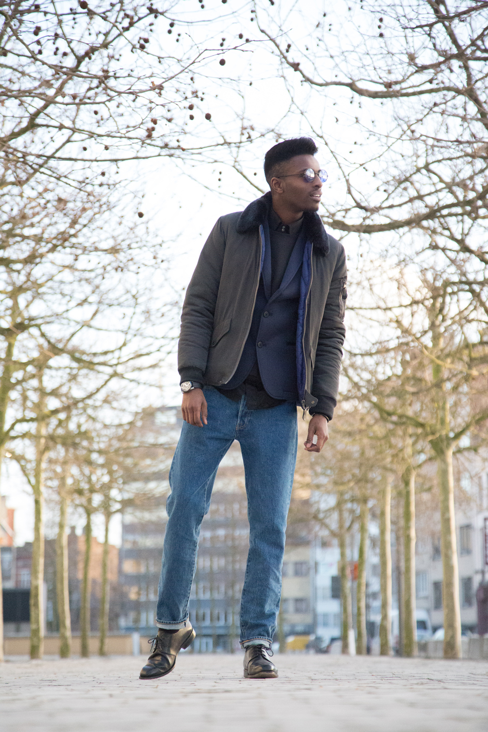 JON THE GOLD | ICONIC 501 | Levi's 501ct customized and tapered - Jonathan is wearing native youth jacket , WE FASHION neoprene blazer, SECTION STORE sweater, MEXX shirt, 501 ct levis jeans , lord eston dress shoes - Jonathan Zegbe Menswear blogger and founder of JON THE GOLD BLOG