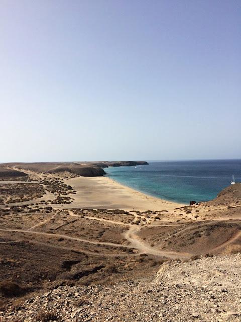 Lanzarote na Wyspach Kanaryjskich - co warto zobaczyć i zwiedzić? Tydzień na Lanzarote - co robić? 8 rzeczy, które musisz zrobić na Lanzarote na Wyspach Kanaryjskich.