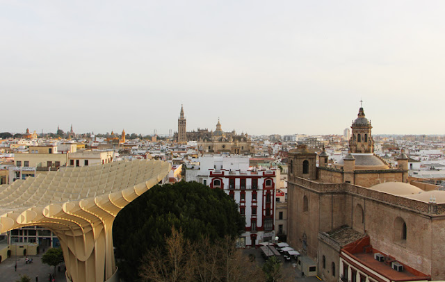 Blick auf Sevilla vom Metropol Parasol