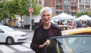 69χρονο μοντέλο και διατροφολόγος δίνει συμβουλές νεότητας [video]