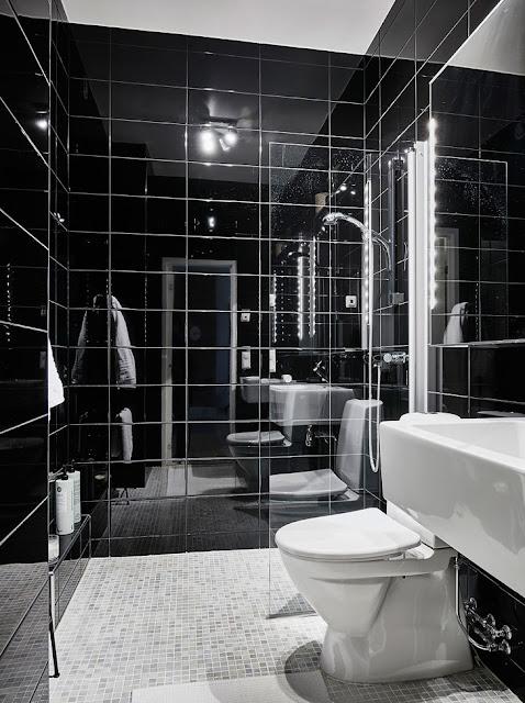 baie cu faianta neagra