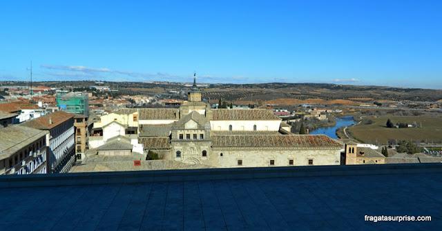 Toledo e o Rio Tajo vistos do Alcázar