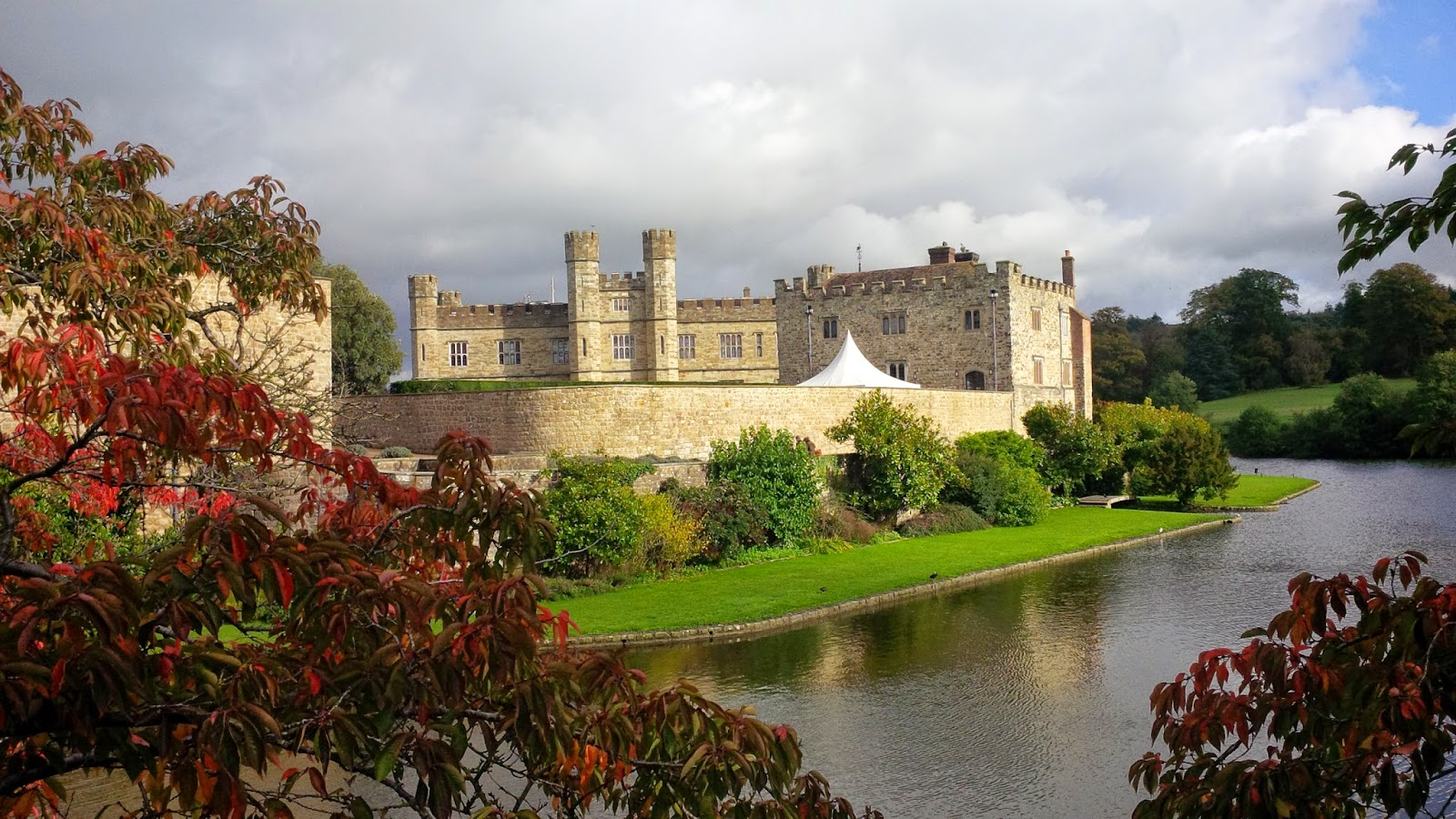 Leeds Castle in his autumnal best