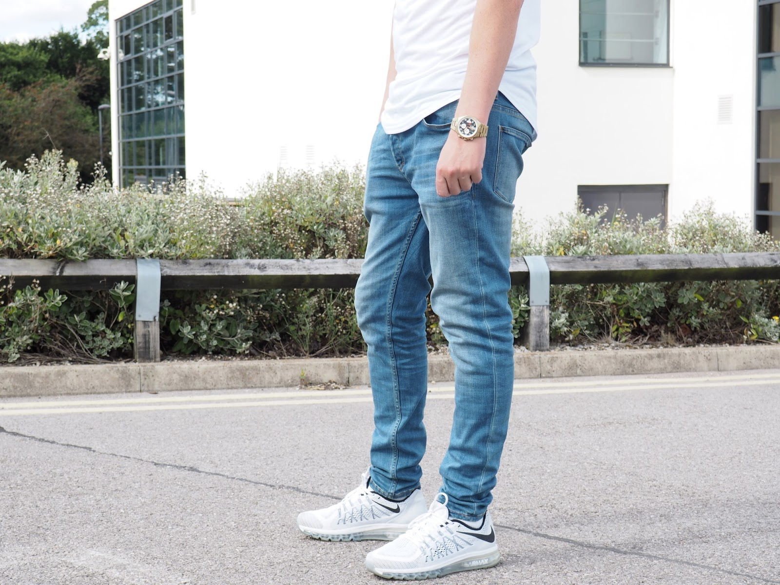 How To Style Black Ripped Jeans On Fashion Blog Lurchhoundloves