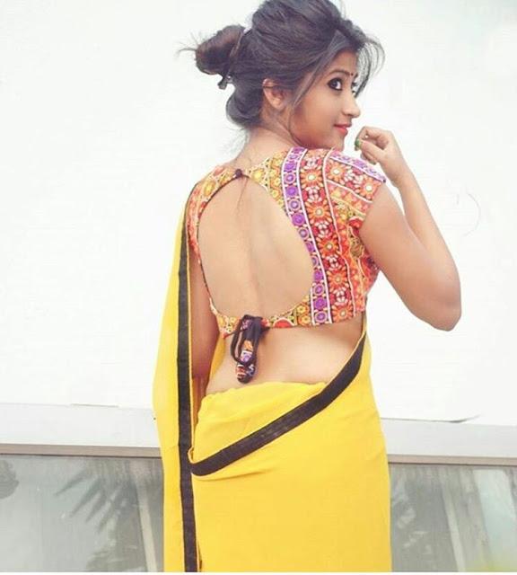 bhabhi-in-yellow-sari-figure
