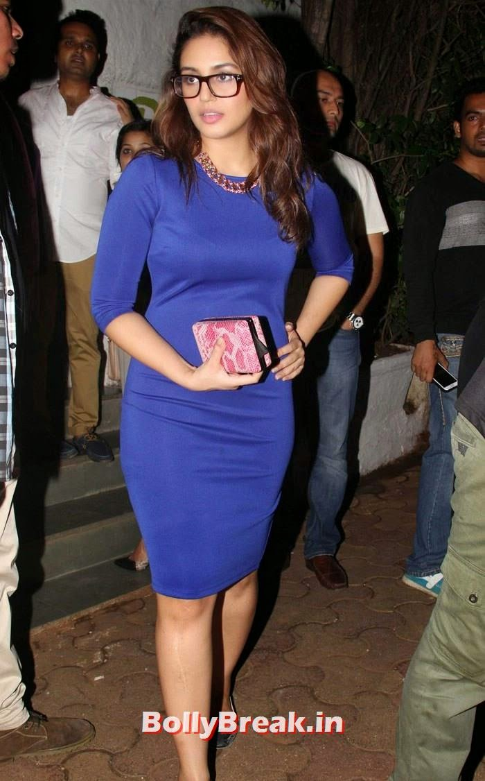 Huma Qureshi, Varun, Yami, Shruti, Nargis Pics from Badlapur Movie Wrap up party