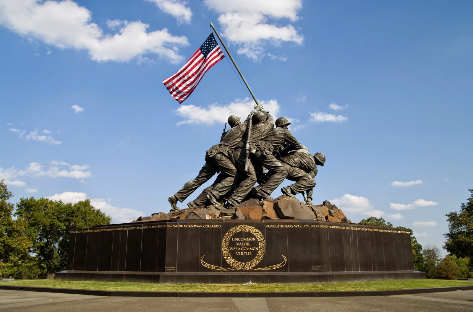 Roscoe Reports: 1945 US Marines raise flag on Iwo Jima