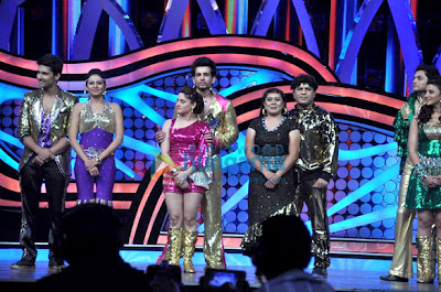 Cast of Himmatwala at the grand finale of 'Nach Baliye 5'