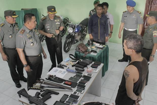 TNI Amankan Narkoba Jenis Sabu dan Pil Ekstasi dari 4 Pelaku
