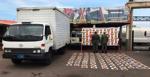 GNB capturó a dos sargentos en un camión del ejército cargado con 85 panelas de marihuana