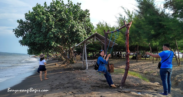 Pantai Mutiara Pulau Tabuhan Bangsring