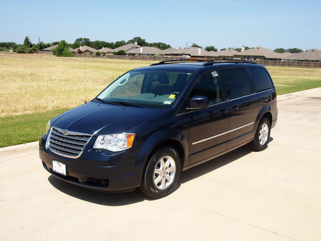 2009 chrysler town country touring van passenger with dvd navigation 22991 granbury. Black Bedroom Furniture Sets. Home Design Ideas