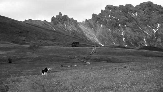 Panorama in bianco e nero dell'Alpe di Siusi