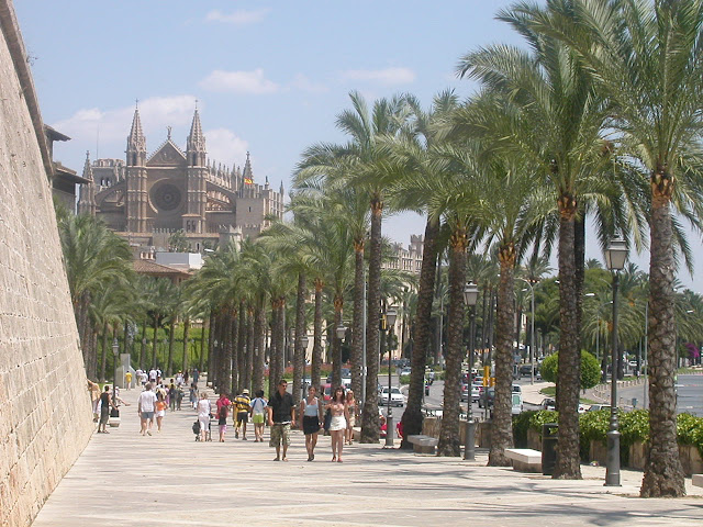 Palma de mallorca spain tourist destinations - Muebles baratos palma de mallorca ...