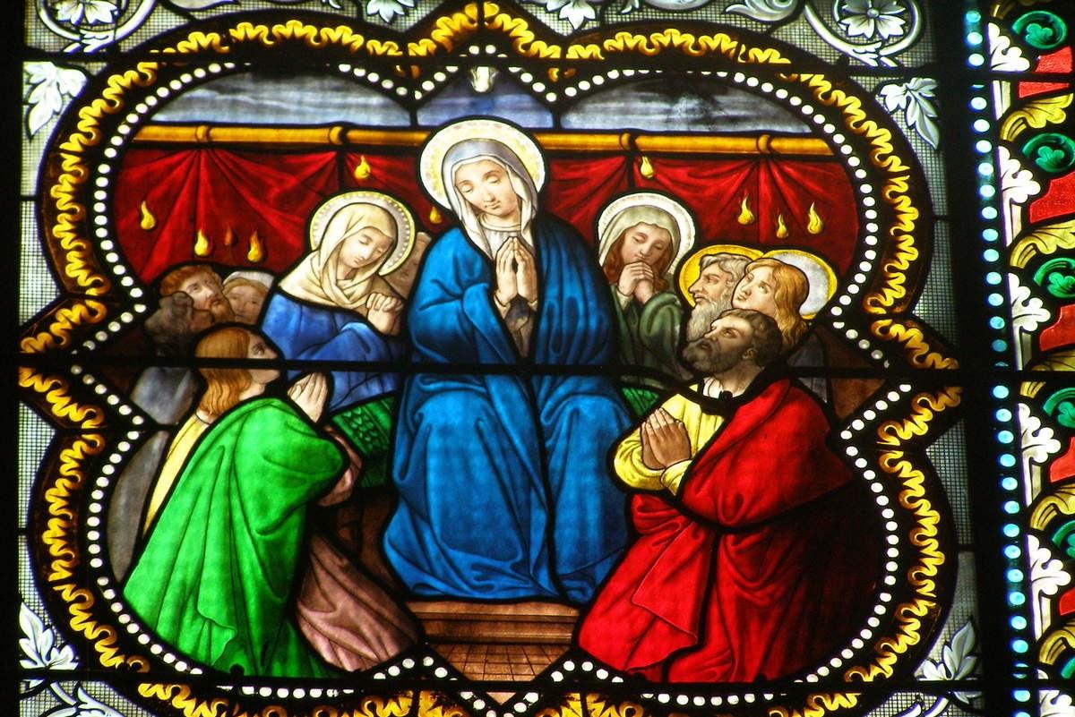 Pentecôte, détail vitrail, église de Feurs ©Défrade