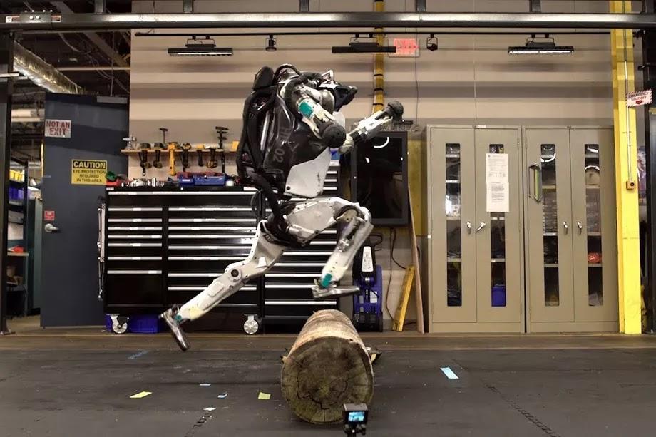 Atlas-robot-parkour-video