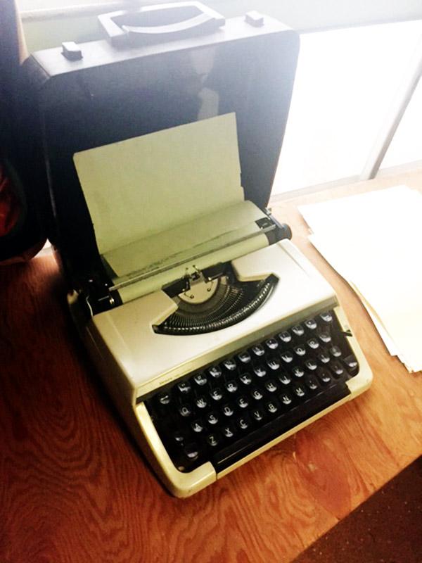 Tad's Imagenarium, vintage type writer