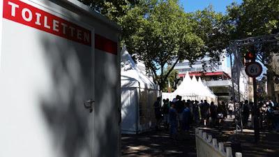 http://www.rp-online.de/nrw/staedte/duesseldorf/gourmetfestival-baut-um-pokemon-jaeger-herum-aid-1.6212431