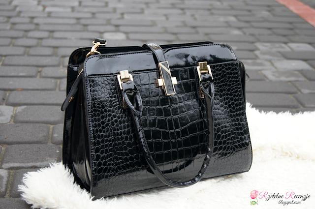 czarna torebka, lakierowana torebka, torba damska, torba na ramię