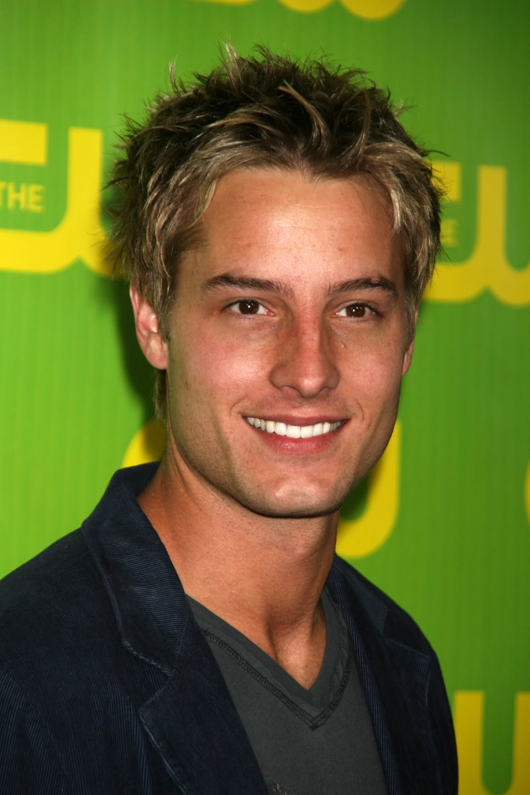 Video Game Girl Wallpaper Justin Hartley Photos Tv Series Posters And Cast
