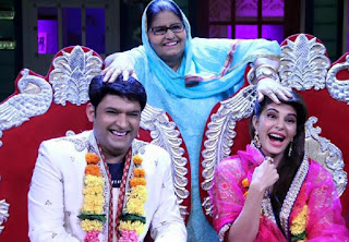 Kapil Sharma With His Mother And Actress Jacqueline Fernandez In His Show