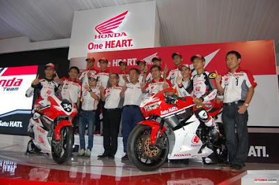 ASTRA Honda Racing Team (AHRT) Luncurkan Susunan Pebalap 2017