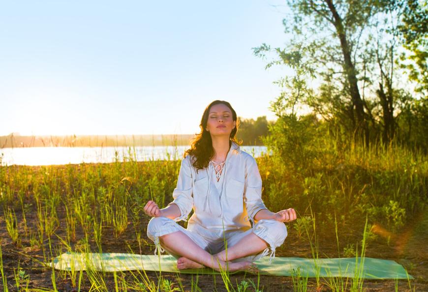 Yoga-thien-loi-ich-cho-suc-khoe-va-tam-tri-cua-ban
