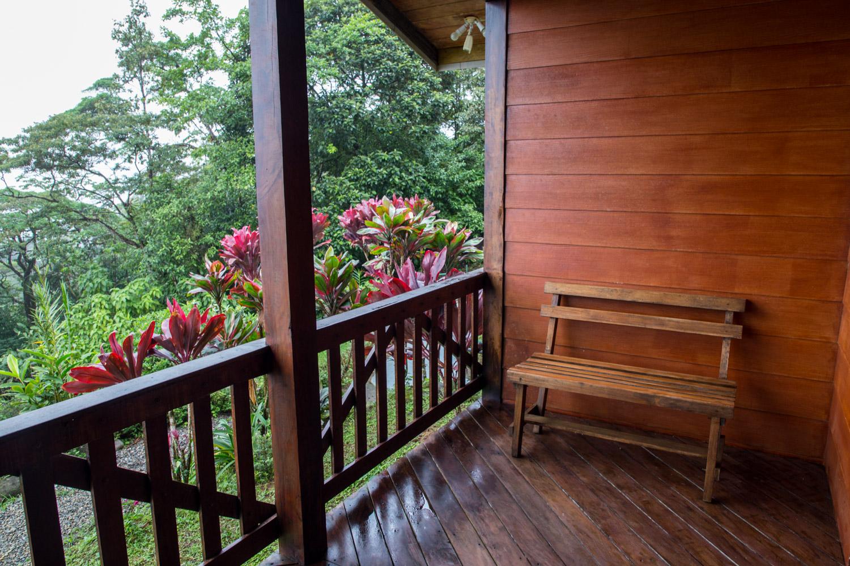 Balcón del Heliconias Lodge en Bijagua