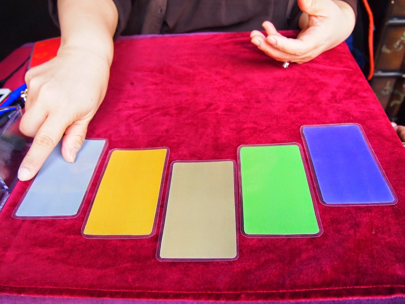My First Korean Tarot Card Reading |Seoul Searching
