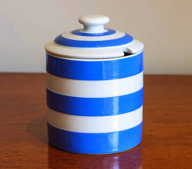 Cornishware pot