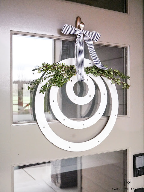 DIY Modern Spring Wreath by Taryn Whiteaker