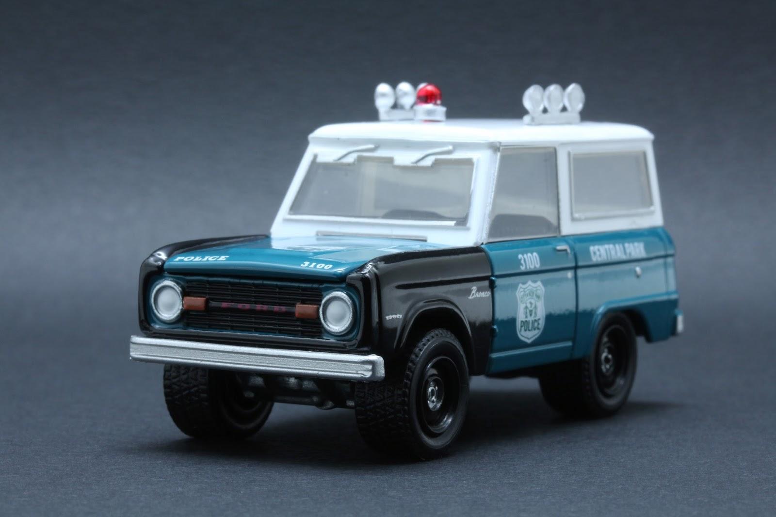 Diecast Hobbist: 1967 Ford Bronco