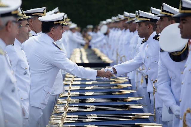 Marinha vai abrir concurso com salário inicial de R$ 8,9 mil reais
