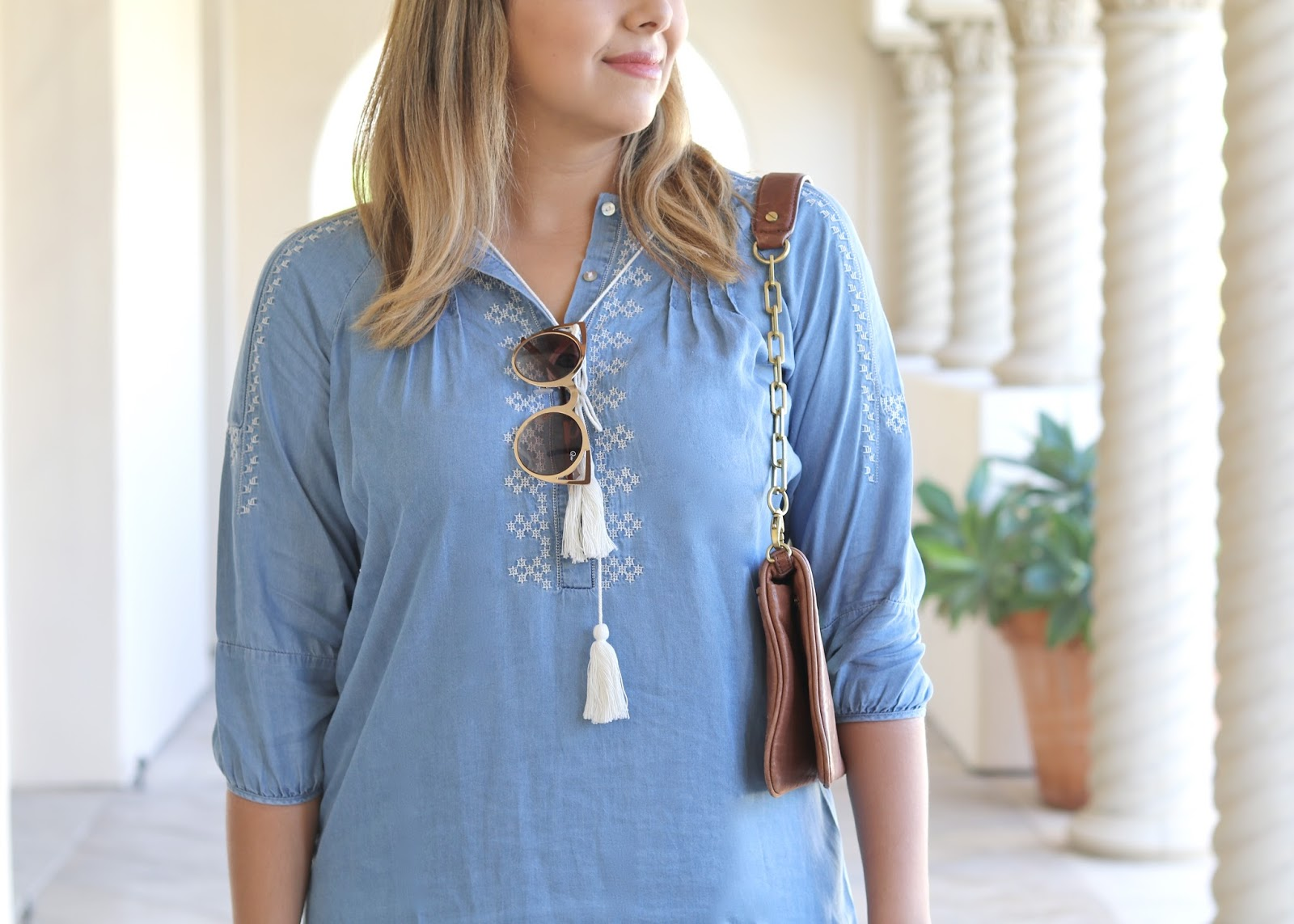 Quay Sunglasses, quay invader sunglasses, what to wear with a denim dress, embroidered dress