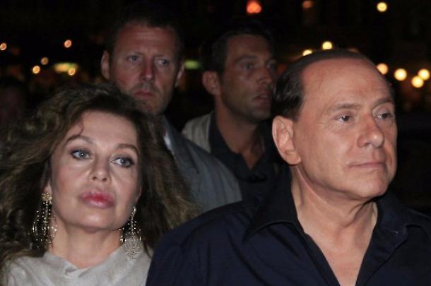 Buongiornolink - Divorzio Lario-Berlusconi, revocato l'assegno di mantenimento a Veronica