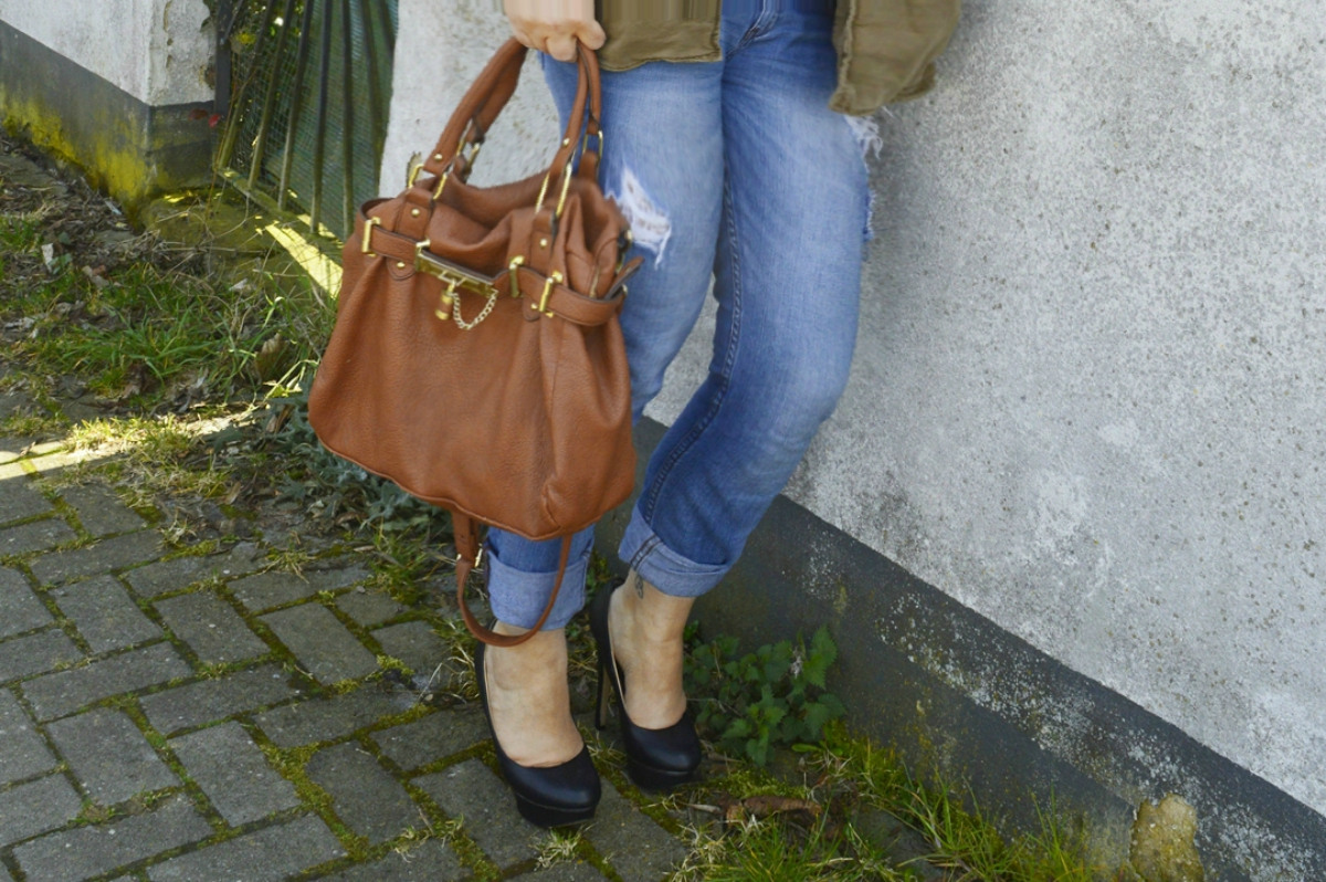 Boyfriend Jeans and Off-Shoulder Top with Military Jacket & Steve Madden Bneptune satchel bag