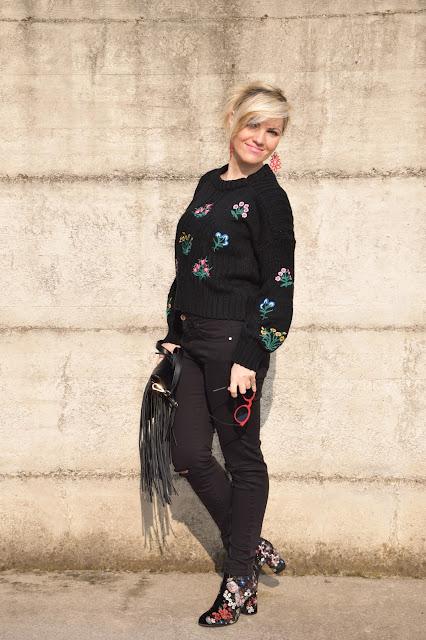 outfit maglione nero come abbinare un maglione nero abbinamenti maglione nero mariafelicia magno fashion blogger colorblock by felym fashion blog italiani fashion blogger italiane outfit invernali casual outfit febbraio 2017