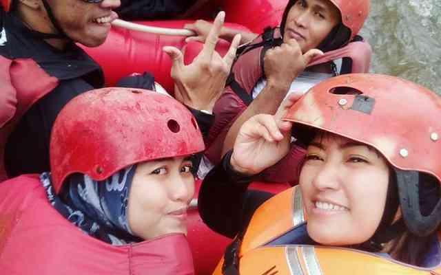 Arung Jeram Bandung Bersama Provider Gravity Adventure